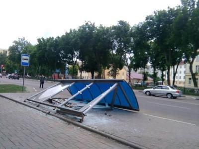 В Тамбове сломали остановку на Карла Маркса