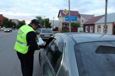 За три дня сотрудники ГИБДД оштрафовали 108 водителей тонированных автомобилей