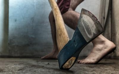 В Жердевском районе осудили мужчину, зарубившего напарника топором
