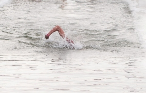 71-летняя жительница Рязанской области завоевала пять медалей на чемпионате мира по зимнему плаванию