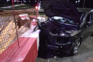 Под Тамбовом пьяный водитель врезался в бетонное ограждение