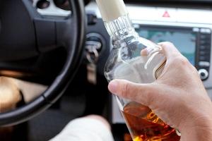 Не садись пьяным за руль, таких как ты собираются лечить принудительно!