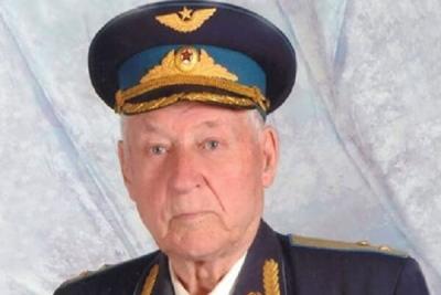 Летчика Александра Боднара с 99-летием поздравил губернатор