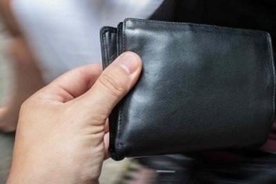 Жительница Рассказово украла в магазине кошелёк с большой суммой денег