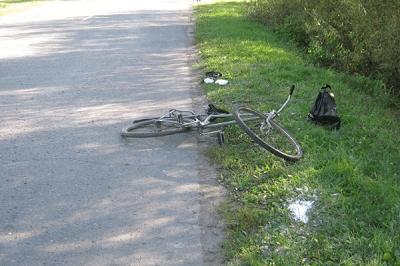 """В Первомайском районе водитель """"легковушки"""" сбил 12-летнюю велосипедистку"""