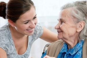 Тамбовчанам предложат взять под опеку пожилых людей